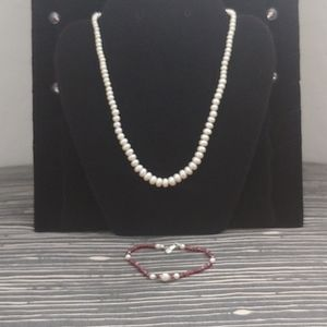 Jewelry - Pearl necklace and bracelet